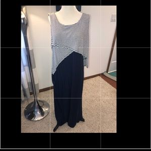 Sleeveless maxi dress w cute front & back design